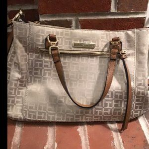 Tommy Hilfiger purse 9 x 13